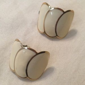 Vintage Pierced Earrings Cream Gold